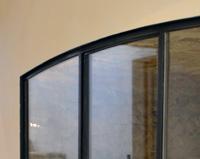 V05 - Verrière en acier pour cloisonner une cave intérieur à Mirmande (26)