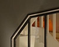 V01 — Verrière d'intérieur en acier avec angle tronqué