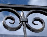 GC05 — Garde-corps de fenêtre en fer forgé (Samoyas)