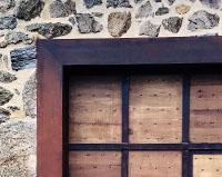 PP01 — Portail sur-mesure mêlant structure métallique et bois de chêne